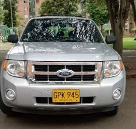 Ford Escape full equipo. Impecable