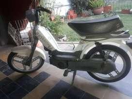 Vendo Zanella ciclomotor fire.