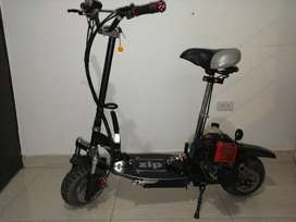 Scooter a gasolina