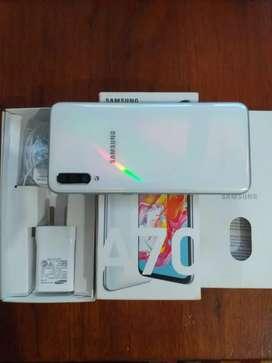 Vendo Samsung A70 dual SIM igual a nuevo $65.000