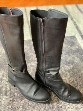 Botas negras caña alta talla 38