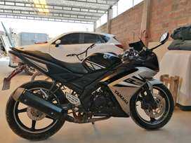 Venta de moto YAMAHA R15