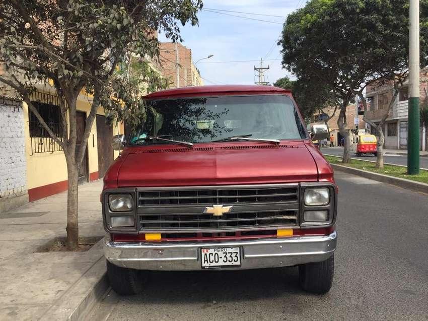 Una Camioneta Chevrolet 0