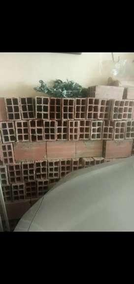 Regalo 100 bloques #5 de segunda y 61 lonas de escombro para relleno