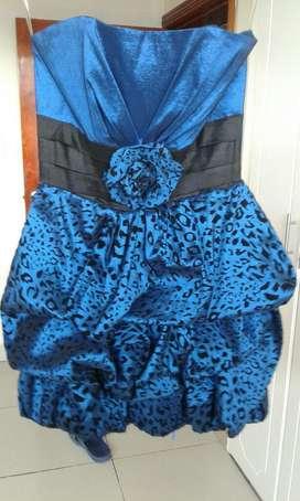 Vestido Azul de Corsel Abombado