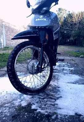Vendo moto 110 nevada soy titular