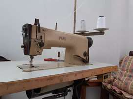 Maquina plana industrial, marca. pfaff