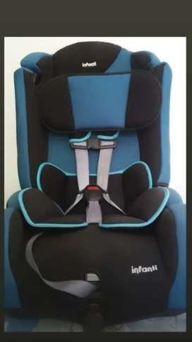 Se vende Silla para carro Marca Infanti