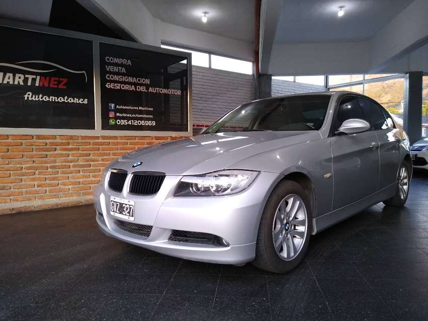 BMW 320I (IMPECABLE) 0