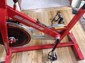 Bicicleta spinning para hacer ejercicios