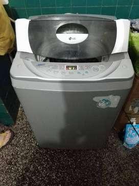 Vendo mi Lavadora LG de 7.5kg totalmente operativa