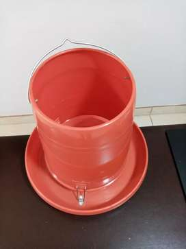 Comederos tolva de 15kg pvc rojo