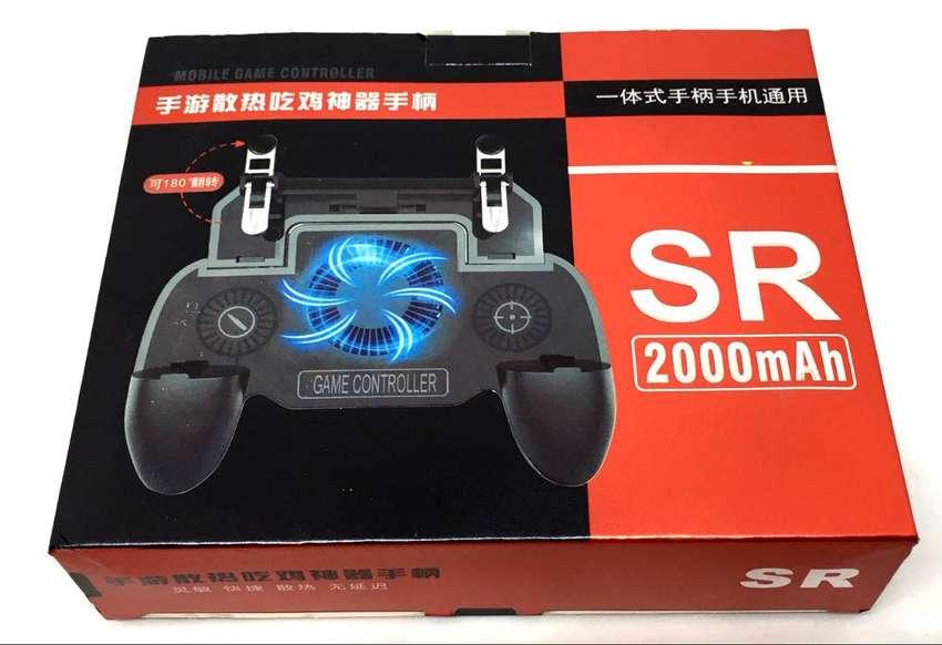 Control de juegos para celular con base refrigerante y banco de poder 0