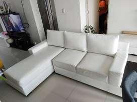 Muebles de Sala Seccional de cuero blanco