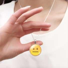 Collar Con Emoji Speechless con envio gratuito