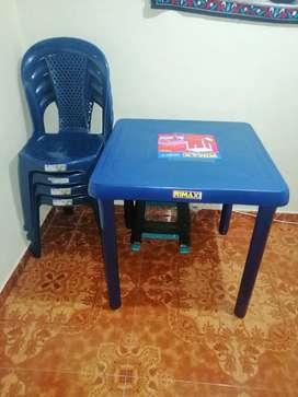 Mesa y sillas RIMAX
