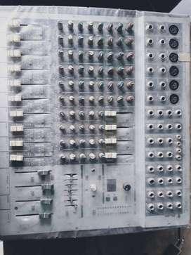 Consola de 6 canales conpactera y mescladora para dj