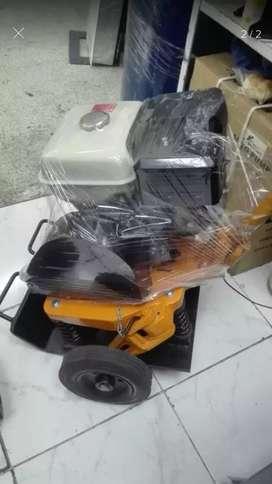 Plancha  Compactadora Honda motor 13 Hp