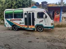 Buseta transporte público informacion al número