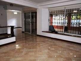 Casa Residencial en Arriendo Poblado Sector San Lucas. Cod PR 9335