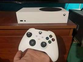 Xbox Series S Casi nueva