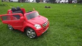 Carro eléctrico para niños, camioneta Mercedes Benz