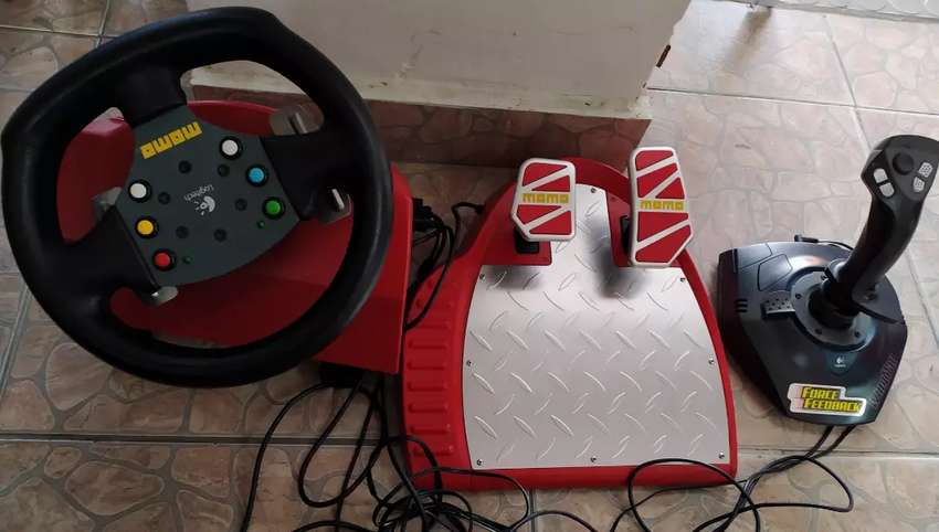 Vendo simulador de conducción Momo original 0