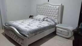 Cama king  con colchón