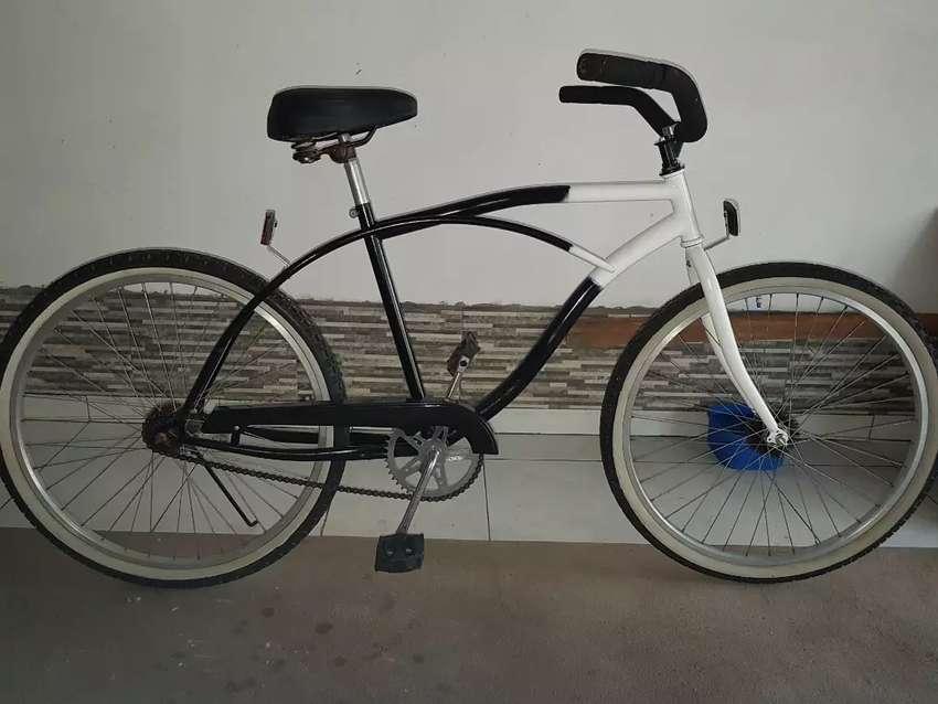 Vendo bicicleta playera de hombre. Rodado 26. Todo nuevo. Se armo y no se usó. 0