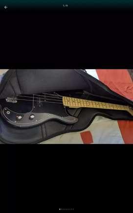 Bajo electrico color Negro 4 cuerdas