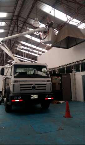 Se vende Camión Canasta para Iluminación