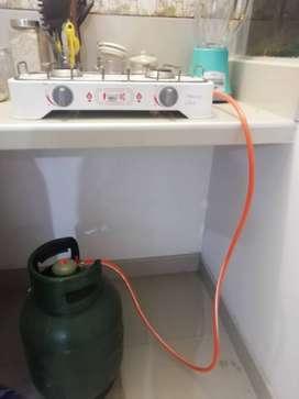 Cocineta+balón de gas+valvula premium. En tumbes