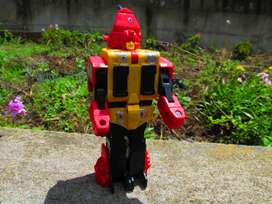 TRANSFORMER RHINO DE 1986 TAKARA JAPON DE COLECCION.