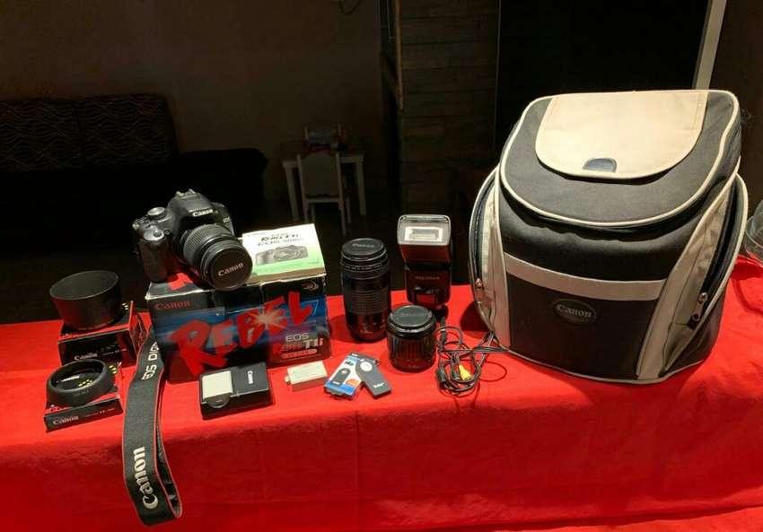 Camara Canon T1i 0