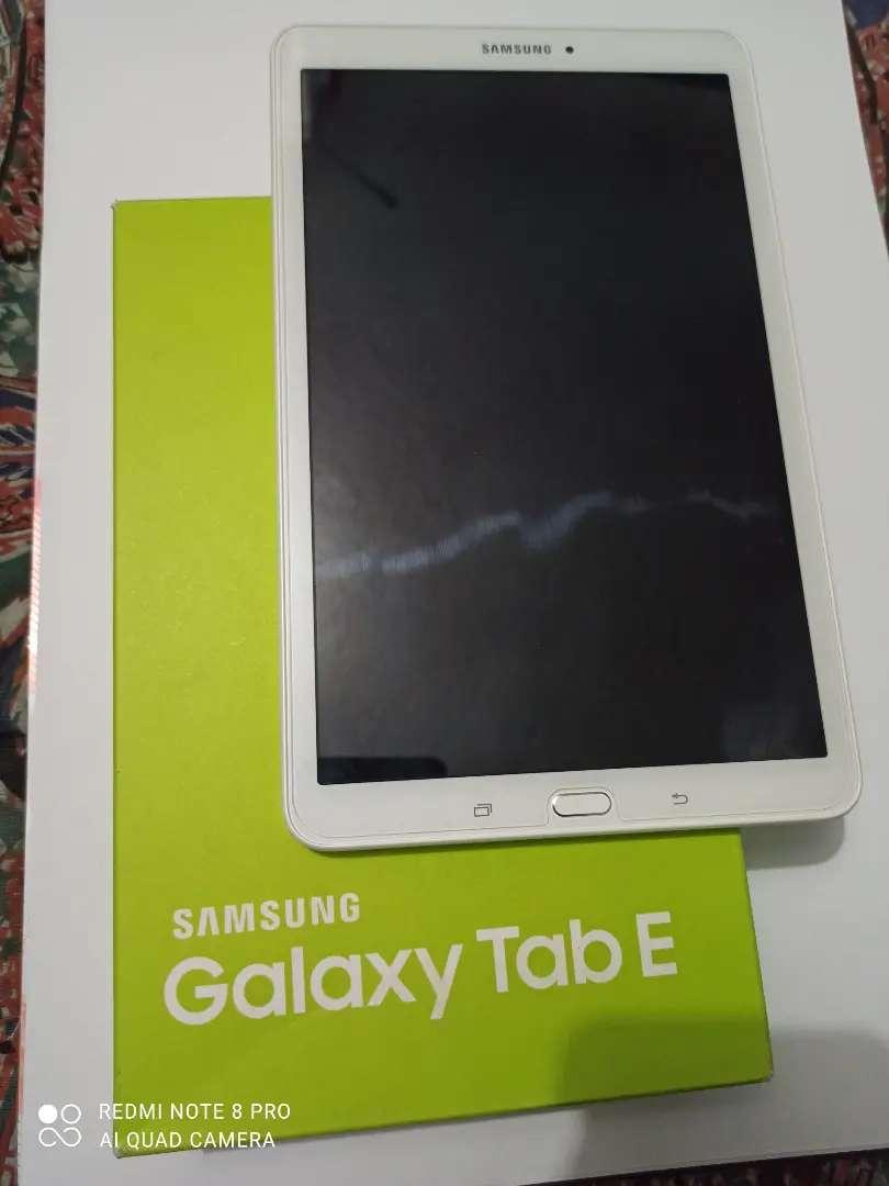 "Samsung galaxy tab E 9.6"" negociable 0"