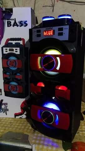 Radio Parlante portatil Bluetooth karaoke entrada Usb Oferto