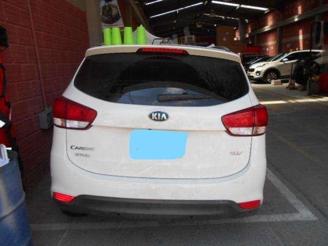 MATRICULA CANCELADA KIA CARENS MODELO 2016 Vehículo Para Repuestos 0