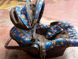 Portador de bebé para carro