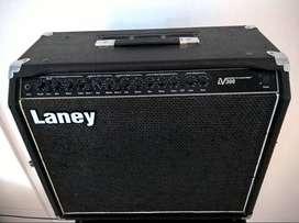 Vendo/Permuto Laney v300
