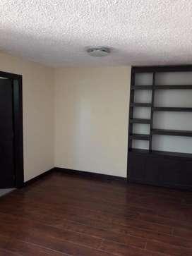 H/ Veintimilla!! Estupenda oficina de 88 m²  en renta! 450 USD