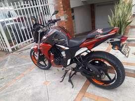 Se vende moto yamaha fz modelo 2015 excelte estado