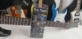 Pink Floyd Pick Guitar negro x12