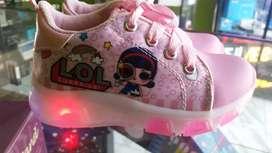 Hermosos zapatos lol con luces talla 25 y 32
