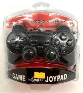 Control para juegos en computador (tipo play) via cable USB