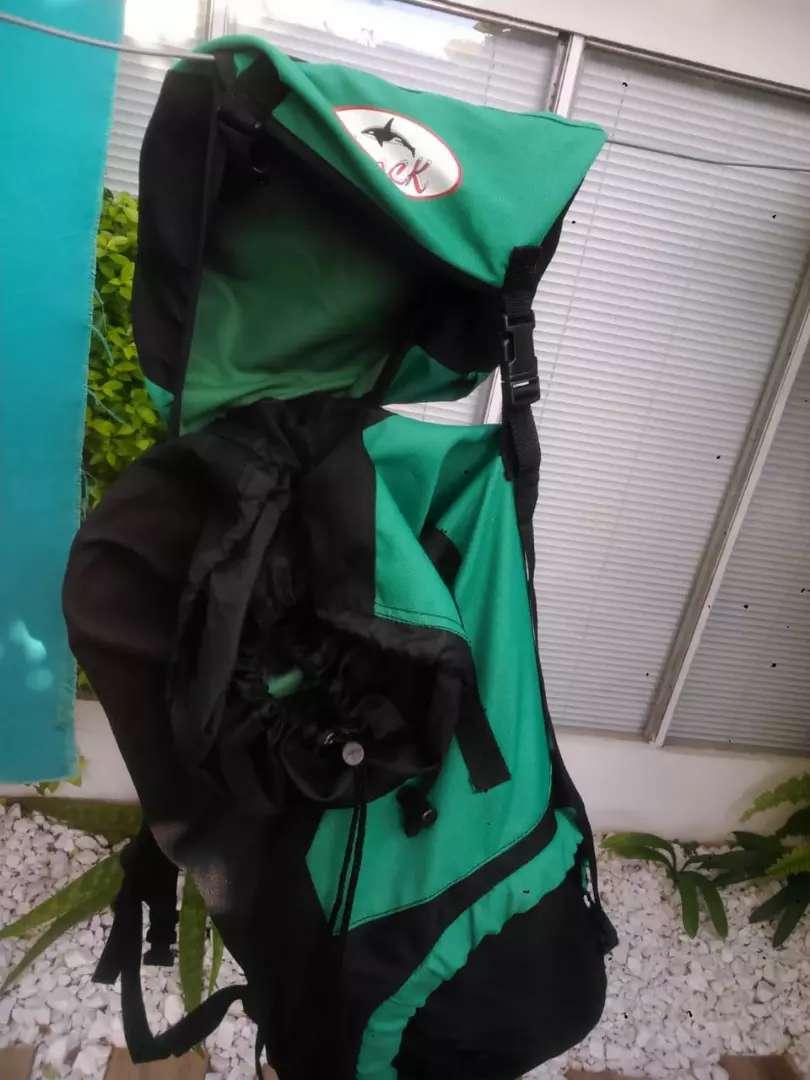 Mochila mochilero trekking 75 litros con varilla 0