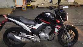 Honda CB twister 250 titular