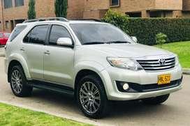 Se vende Toyota fortuner