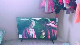 Smart TV Quo prima control con accesos directos directos de 55 pulgada