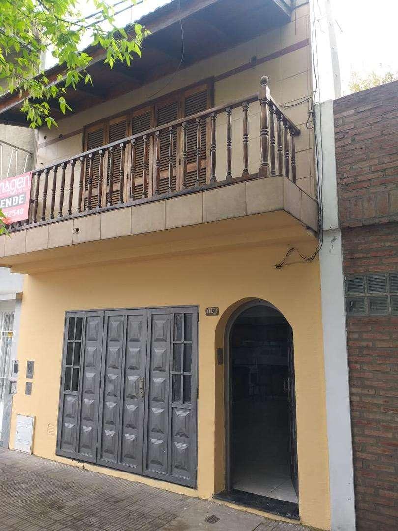 OPORTUNIDAD DUEÑO DIRECTO vende casa - zona Echesortu. ACEPTA PERMUTAS!