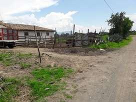 Se vende terreno ubicado en la parroquia Guaytacama (Latacunga - Cotopaxi)